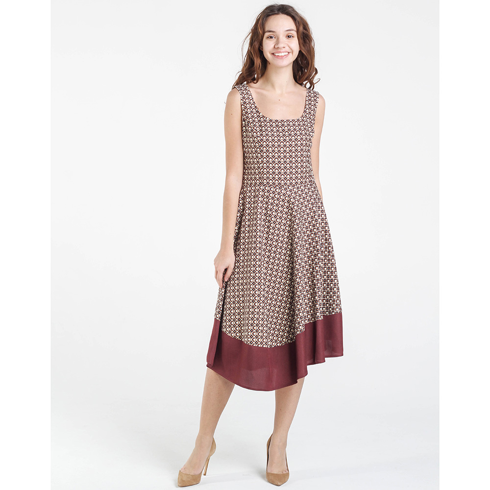 Коричневое платье Shako с бордовым кантом на юбке