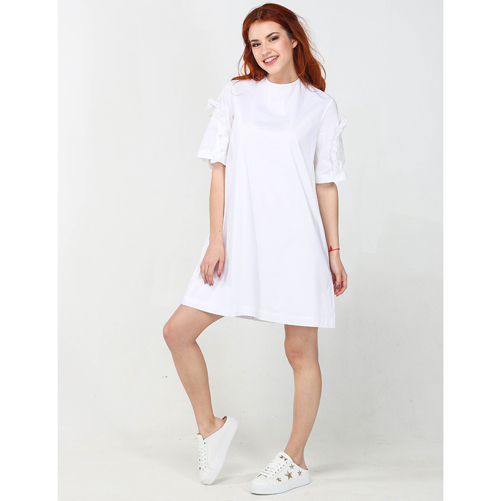 Платье Emma&Gaia белого цвета с рюшами