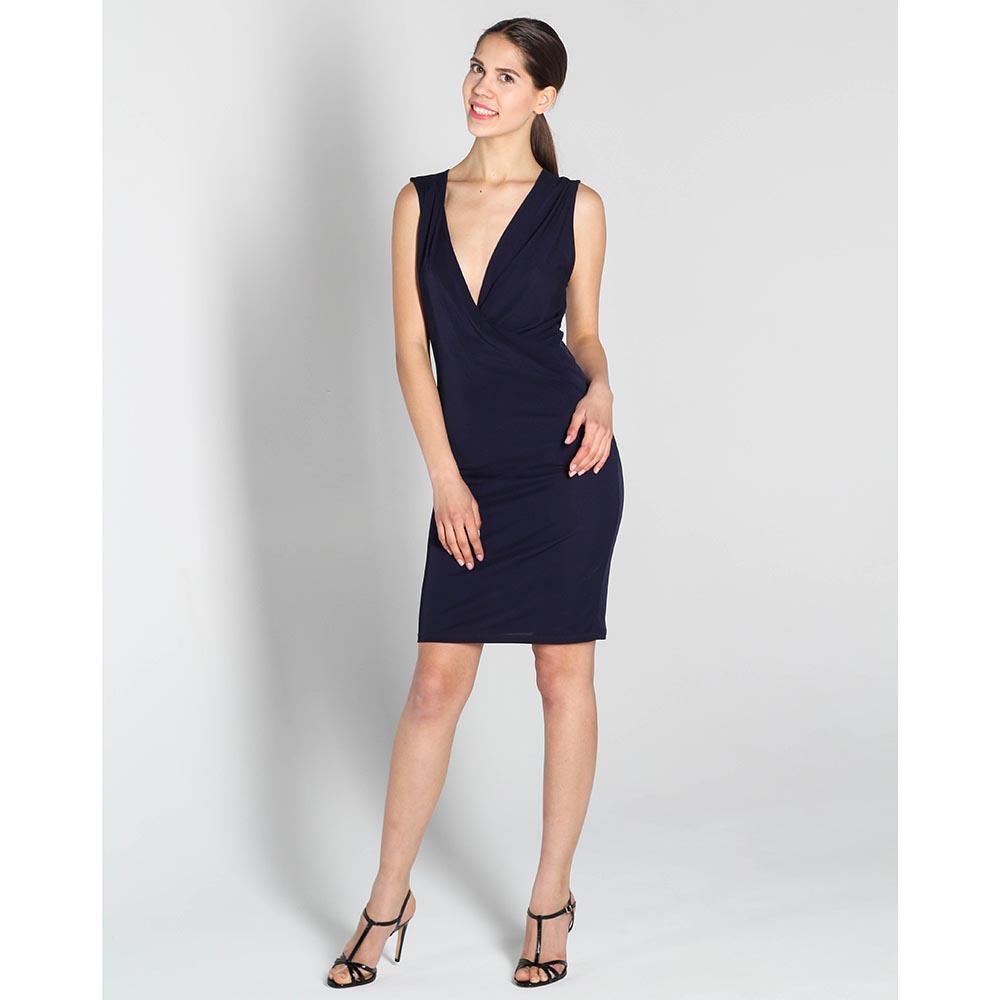 Платье Stella McCartney черного цвета с глубоким вырезом
