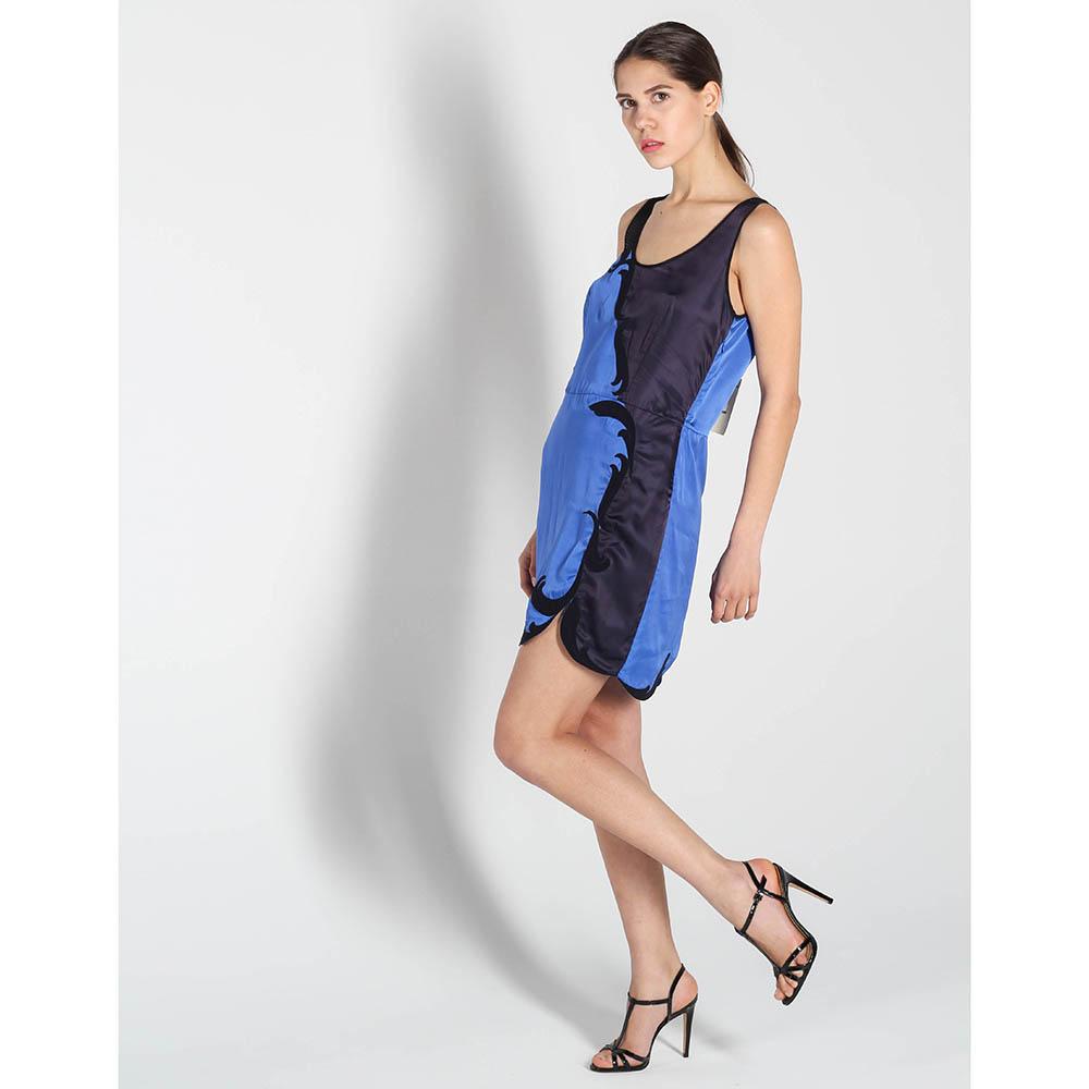 Платье Stella McCartney синего цвета с черной аппликацией