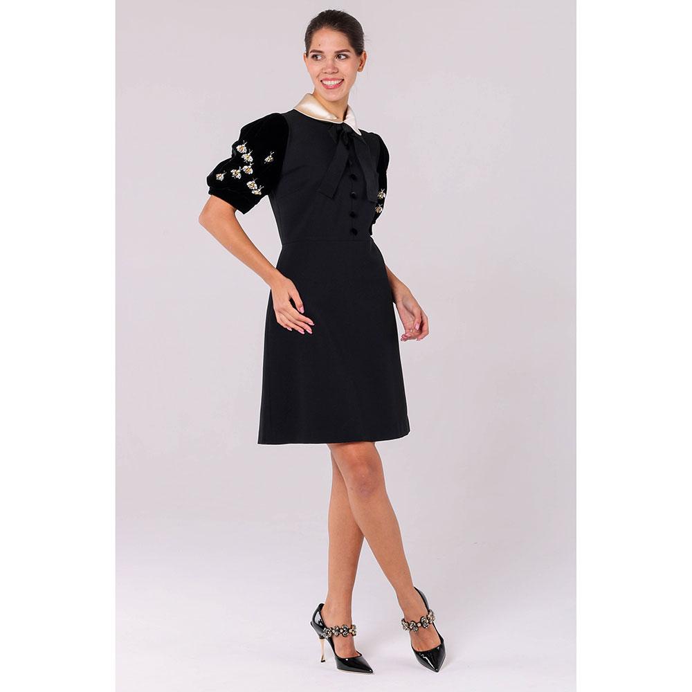 Черное платье Gucci с бархатными рукавами и декором из камней