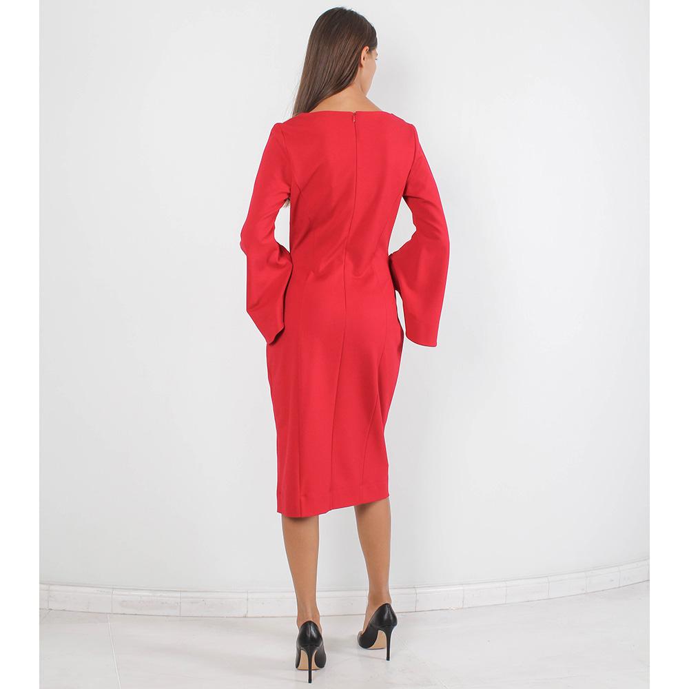 Платье-футляр Forever Unique красного цвета с расклешенным рукавом