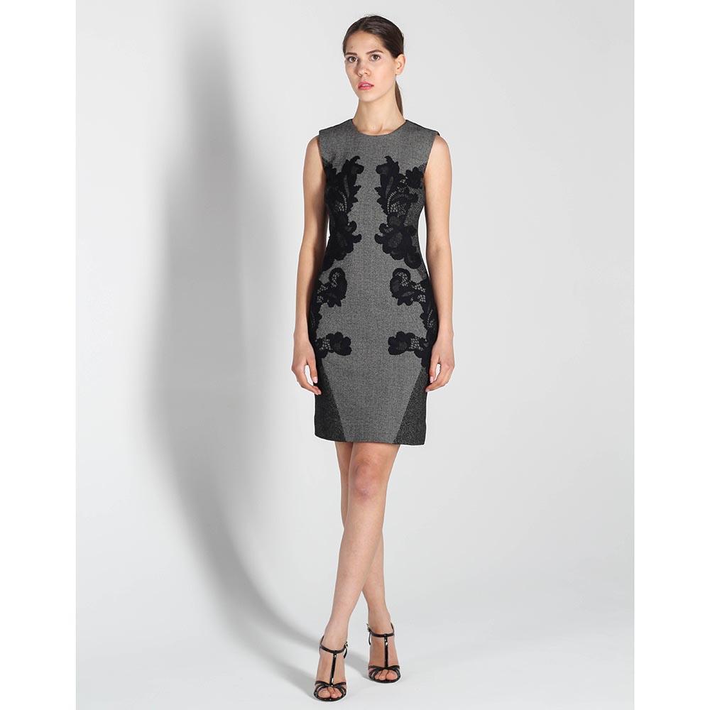 Платье-футляр DVF серого цвета с черным кружевом