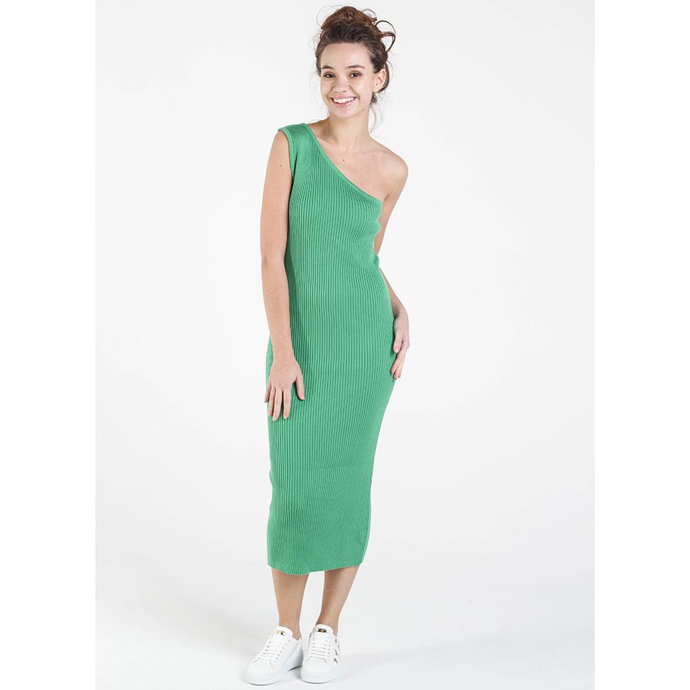 Вязаное платье-футляр Nit.ka на одно плечо зеленого цвета