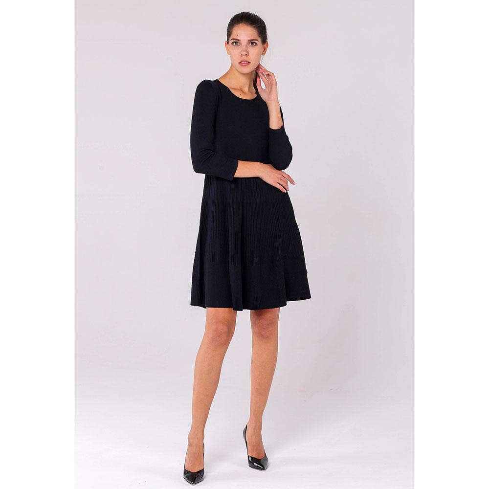 Трикотажное платье Emporio Armani черного цвета с рукавами три четверти