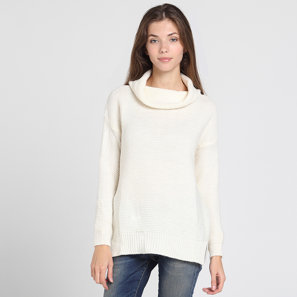 Белый свитер Contatto с объемным воротом