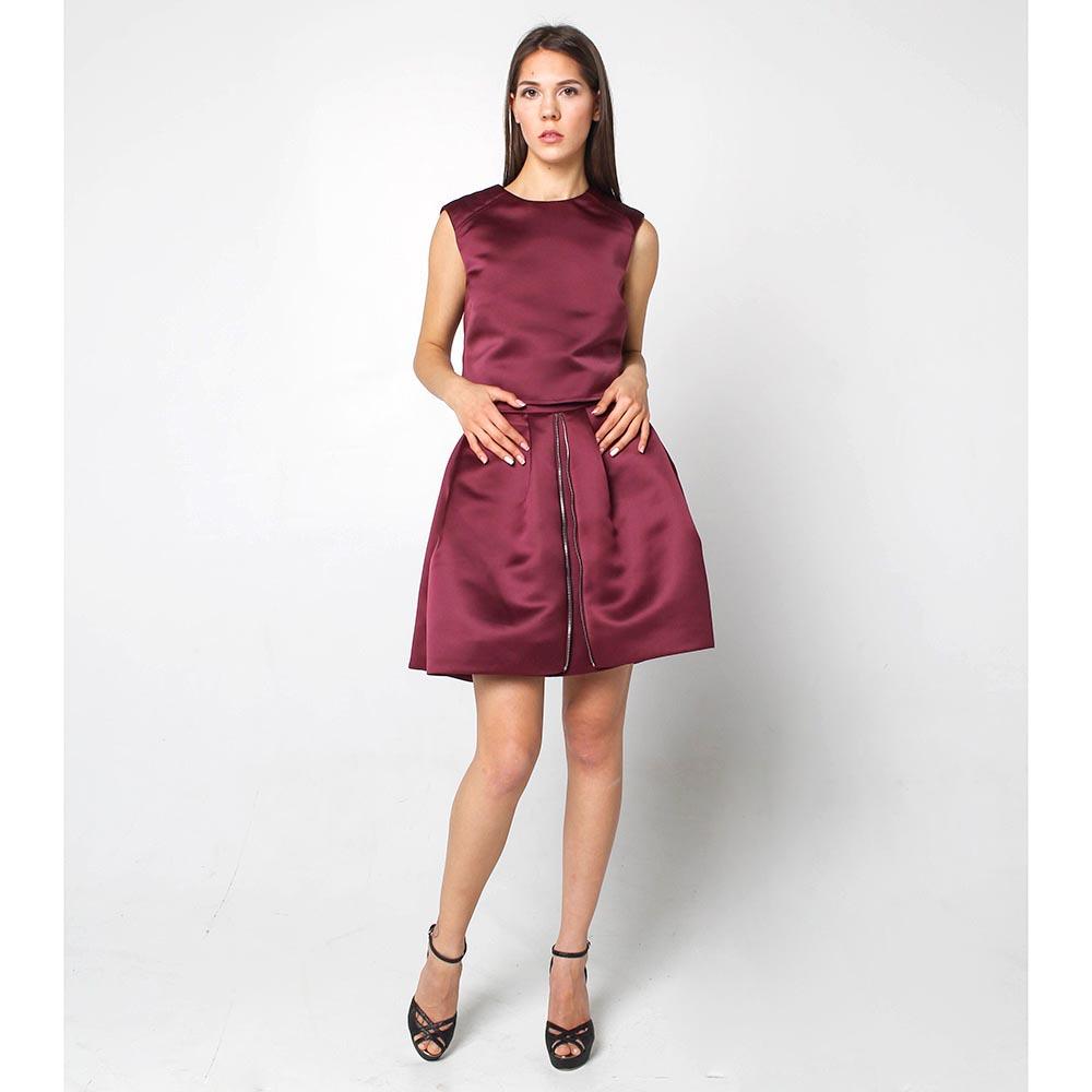 Объемная юбка Alexander McQueen бордового цвета с атланым блеском