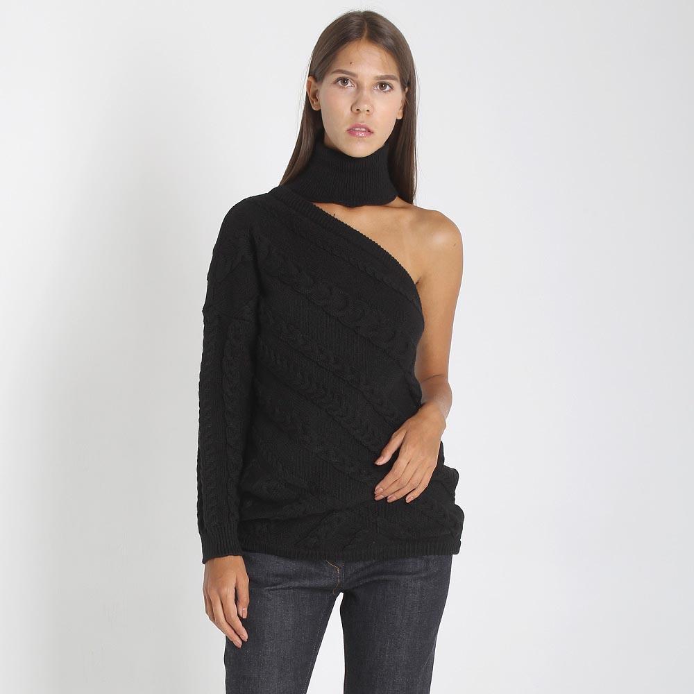 Свитер Woolen Bloom черного цвета с открытым плечом